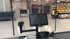 Mercadona refuerza la seguridad: pantallas para proteger a los cajeros y guantes obligatorios