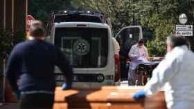 Una ambulancia llega a uno de los hospitales de Bérgamo.