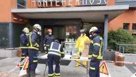 Los Bomberos colaboran en labores de la residencia Monte Hermoso (Madrid).