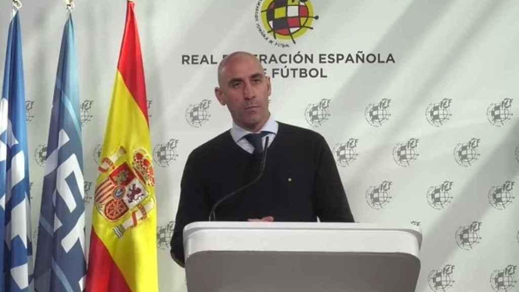 Luis Rubiales, compareciendo desde la Ciudad del Fútbol de Las Rozas