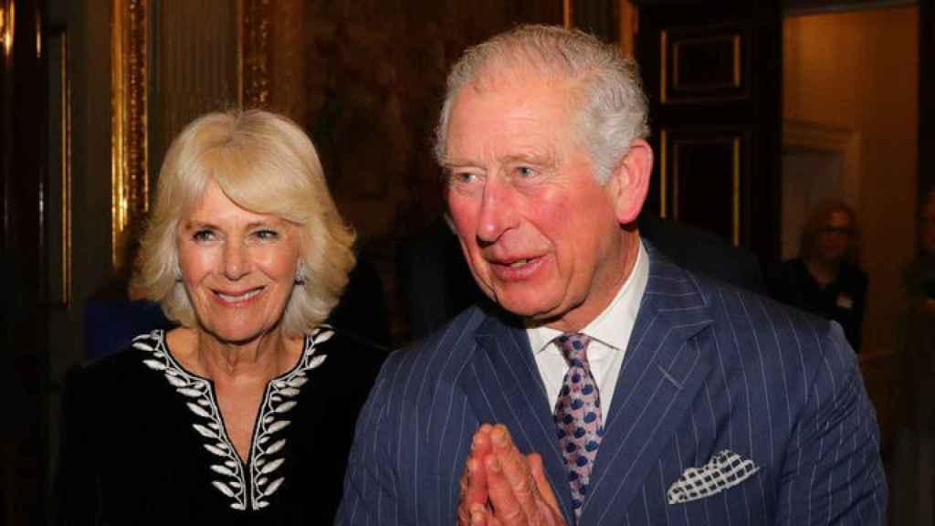 El príncipe Carlos y la duquesa de Cornualles.