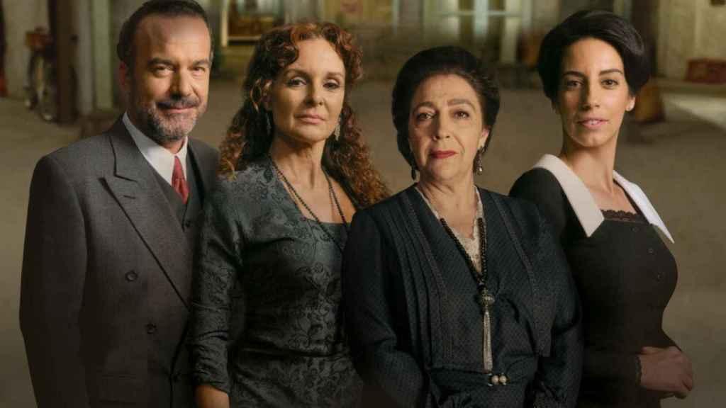El elenco de 'El Secreto de Puente Viejo' (Atresmedia)
