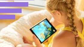 Una niña con una tablet.
