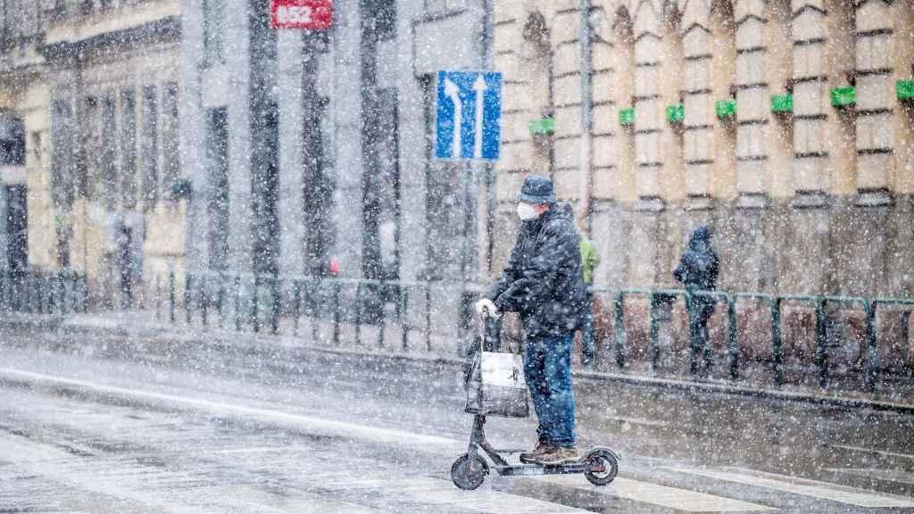 La nieve regresa a gran parte de Europa a comienzos de primavera. EFE/EPA.