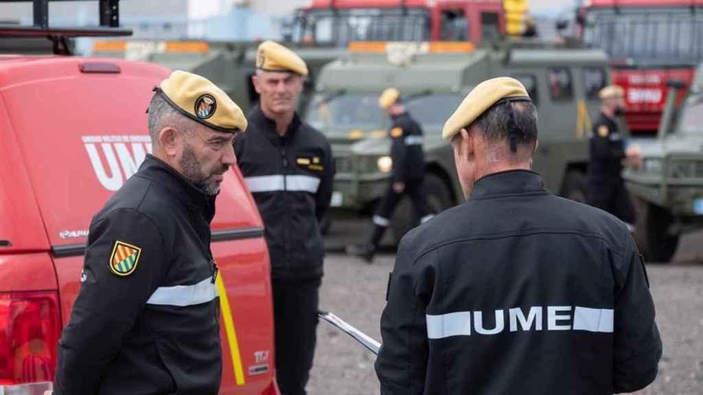 La UME fue la primera unidad del Ejército en salir a la calle tras decretarse el estado de alarma.