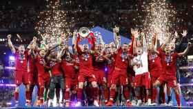 Jordan Henderson levanta el título de la Champions League de 2019