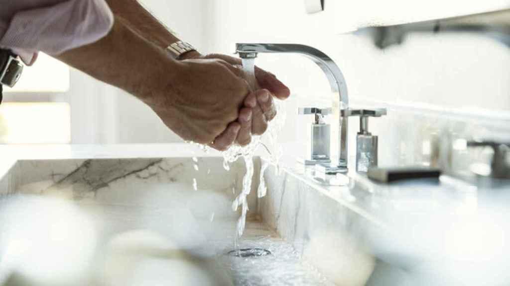 Cómo cuidar la piel de tus manos después de lavarlas y desinfectarlas
