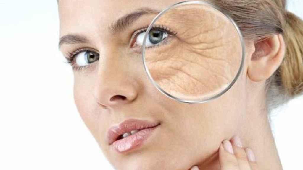 Es muy fácil combatir las arrugas durante el confinamiento.