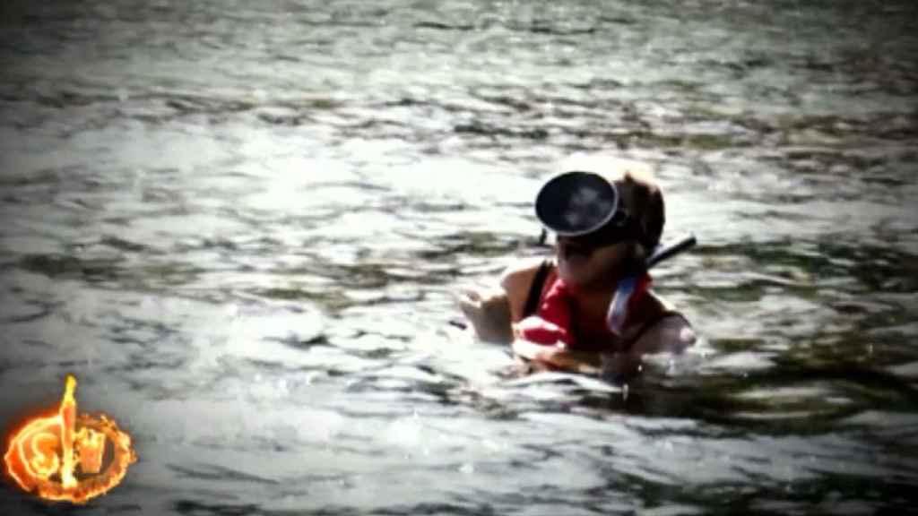 Ana María Aldón ha sufrido un gran susto mientras pescaba.