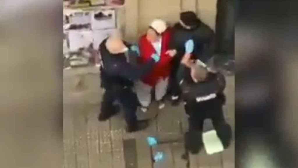 La terrible detención de la Ertzaintza: a palos con un joven con problemas mentales y con su madre