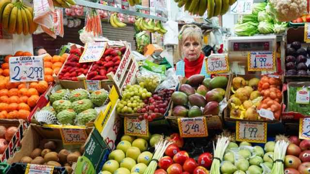 Mercado de Triana (Sevilla) en el tercer día de alarma.