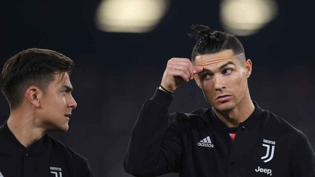 Paulo Dybala y Cristiano Ronaldo, en un partido de la Juventus de Turín