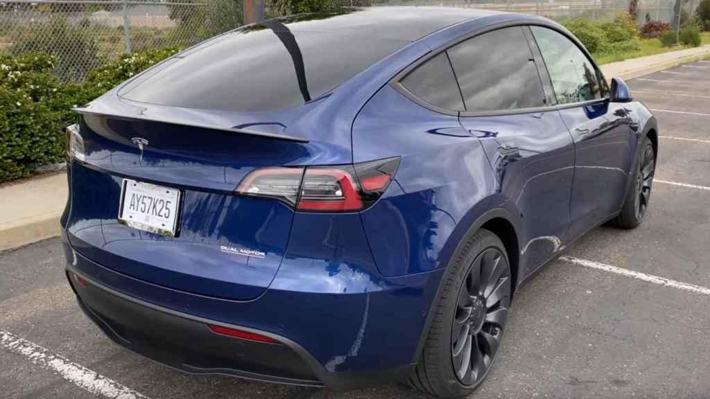 Vista trasera del Tesla Model Y