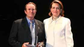Jesús del Castillo junto a Magdalena Valerio en el 10º aniversario de la constitución de Marchamalo como municipio independiente