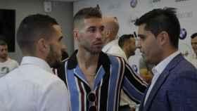 Sergio Ramos, junto a Koke y David Aganzo