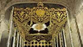 Palio realizado por el bordador Francisco Carrera 'Paquili' para la Hermandad del Cerro.