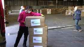 Iberdrola entrega una donación de mantas para hopitales.