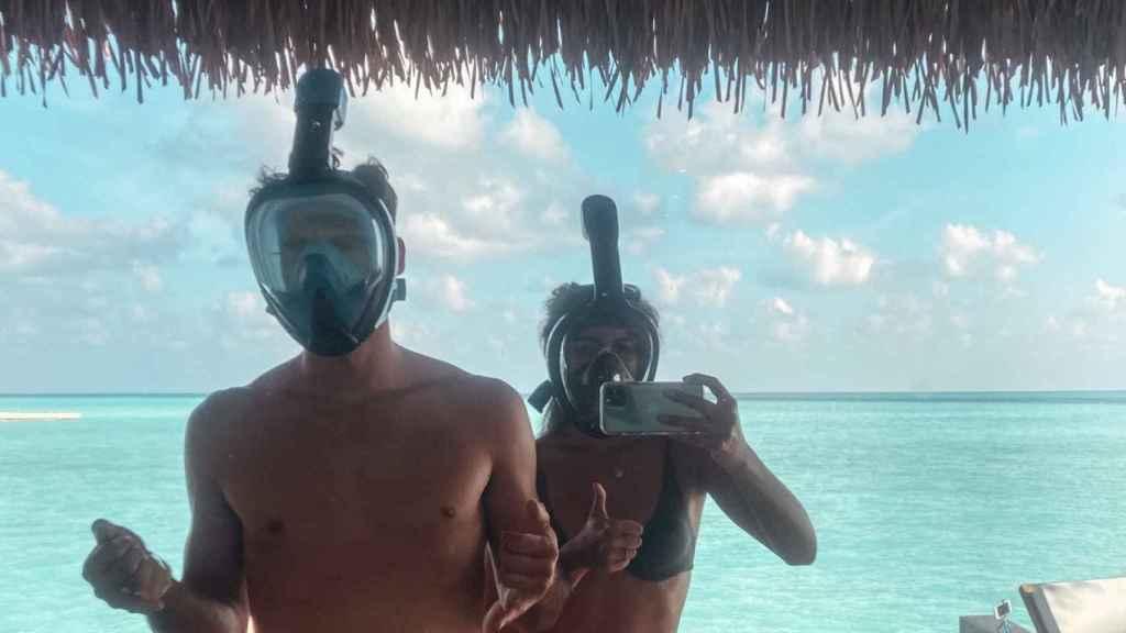 Los turistas 'encerrados', después de hacer snorkel.