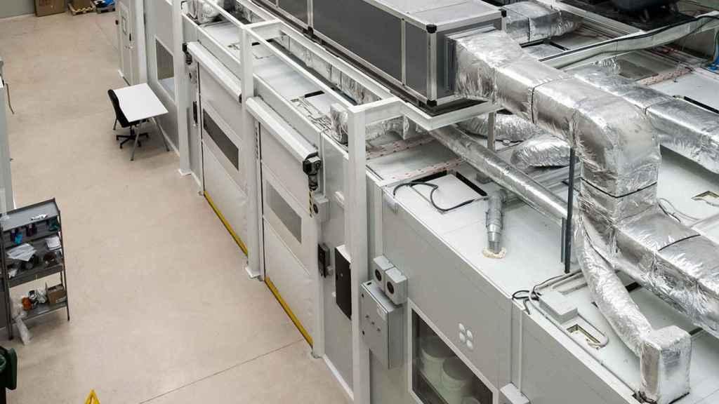 La sala blanca de Bionicia donde se están desarrollando estos nanotextiles para fabricar mascarillas.