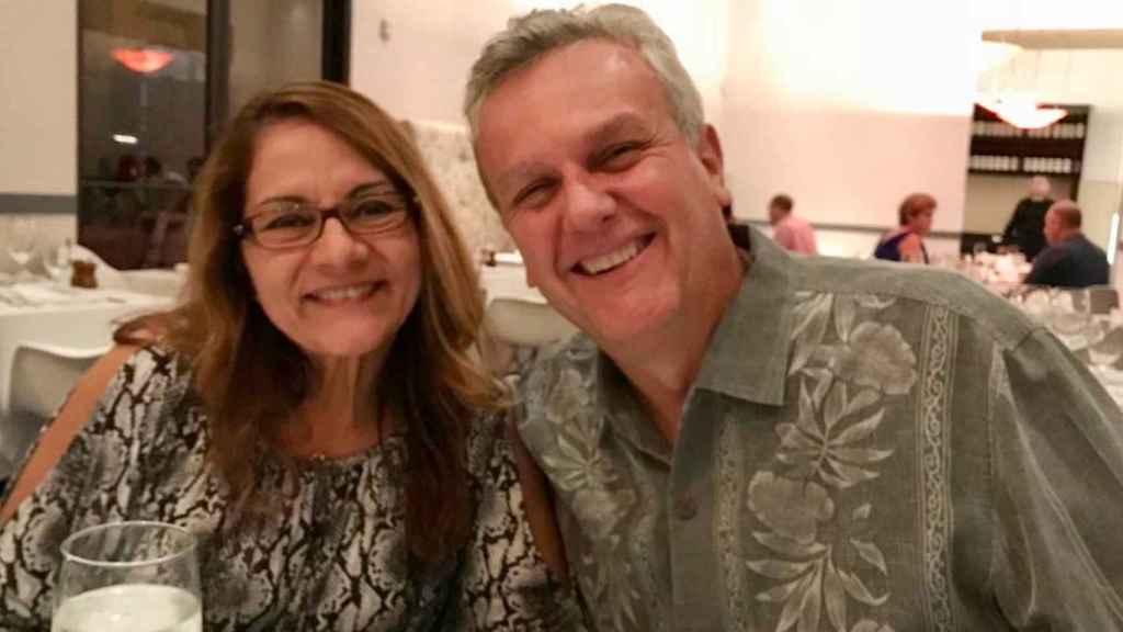 Tomeu y su esposa, Denise, en una cena.