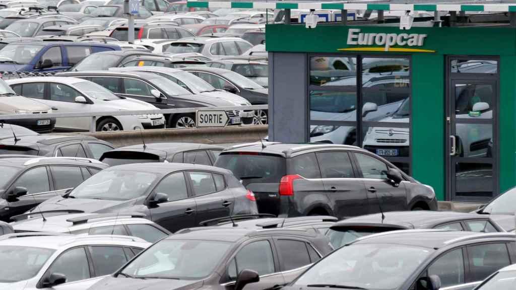 Imagen de una oficina de Europcar en un aeropuerto.