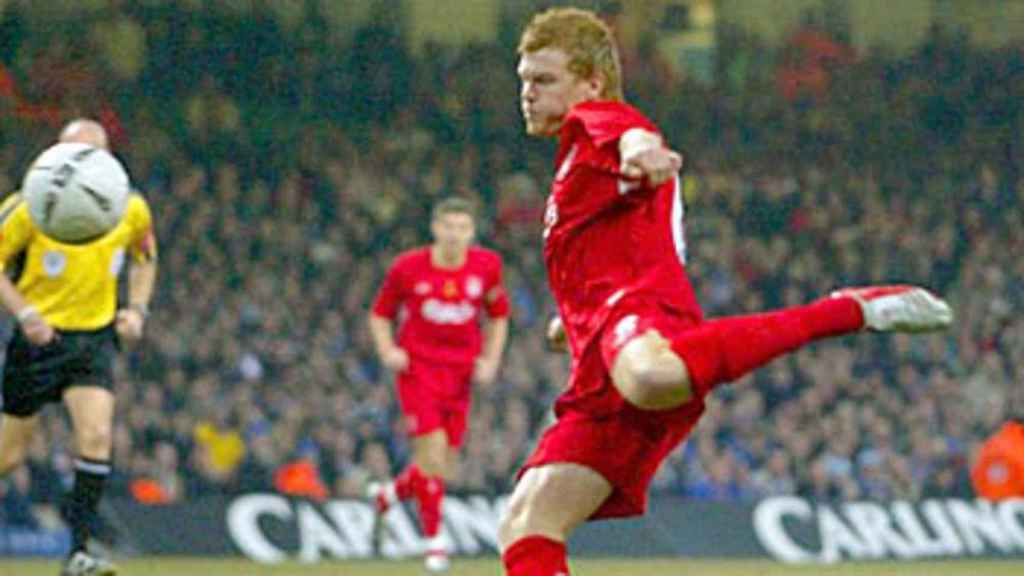 John Arne Riise, en un partido con el Liverpool
