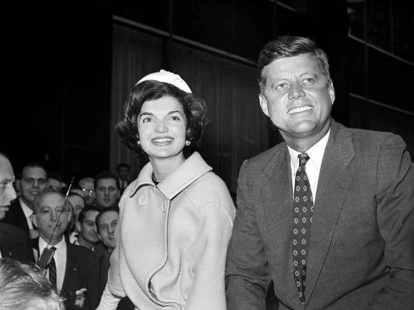 John F. Kennedy junto a su esposa, Jacqueline.