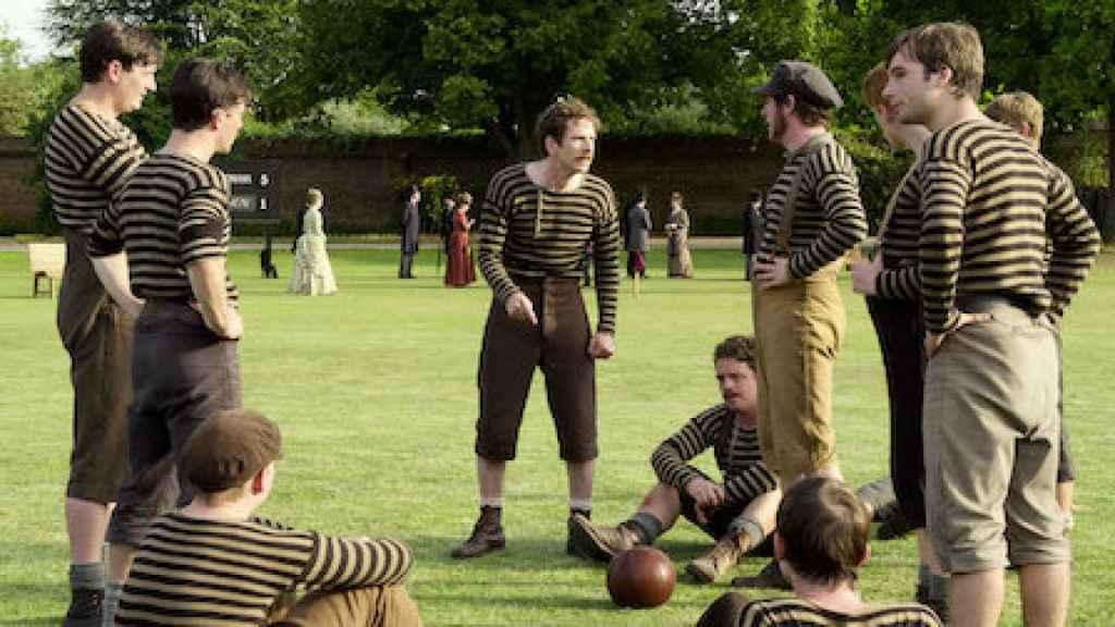 El equipo de Darwen en la serie de Netflix 'Un juego de caballeros'