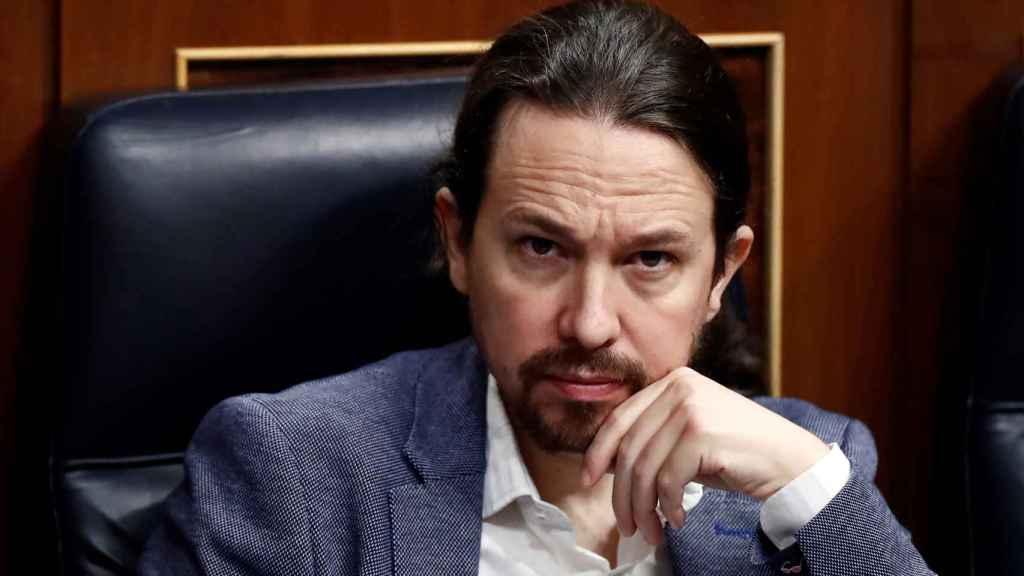 Pablo Iglesias, en su escaño de vicepresidente del Gobierno, asiste al discurso de Pedro Sánchez en el Congreso.