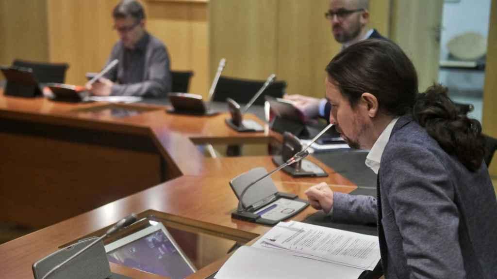 Pablo Iglesias, reunido telemáticamente con agentes sociales, Díaz y Escrivá en abril.