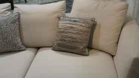 Trucos caseros para limpiar la tapicería de tu sofá