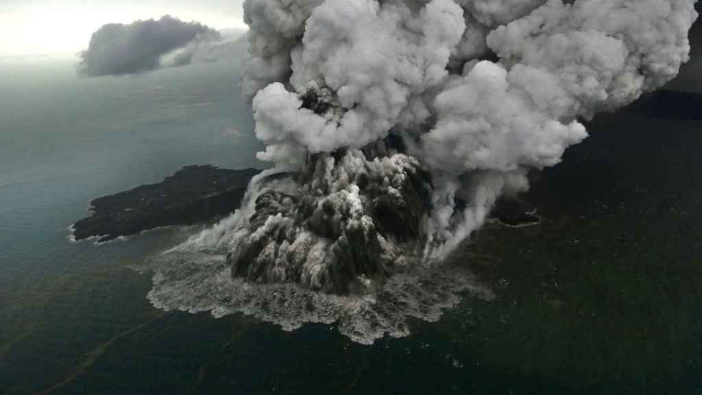 El Anak Krakatau, en la erupción de diciembre del 2018.