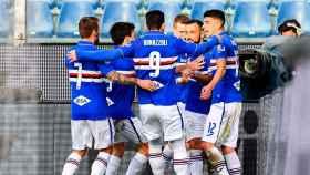 Jugadores de la Sampdoria celebran un gol
