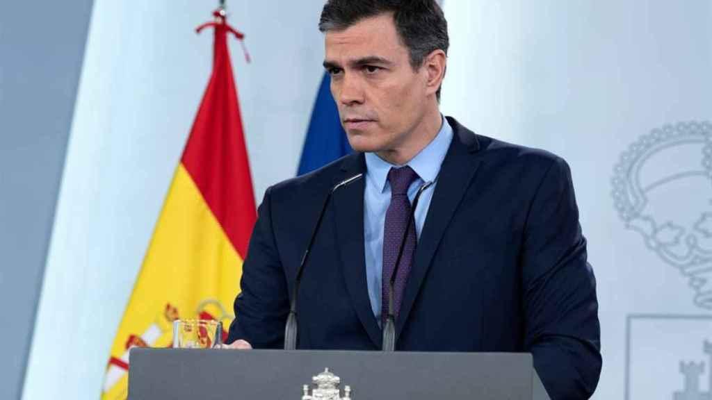 La tensión mandibular de Pedro Sánchez es reflejo de la situación de dificultad que está pasando.