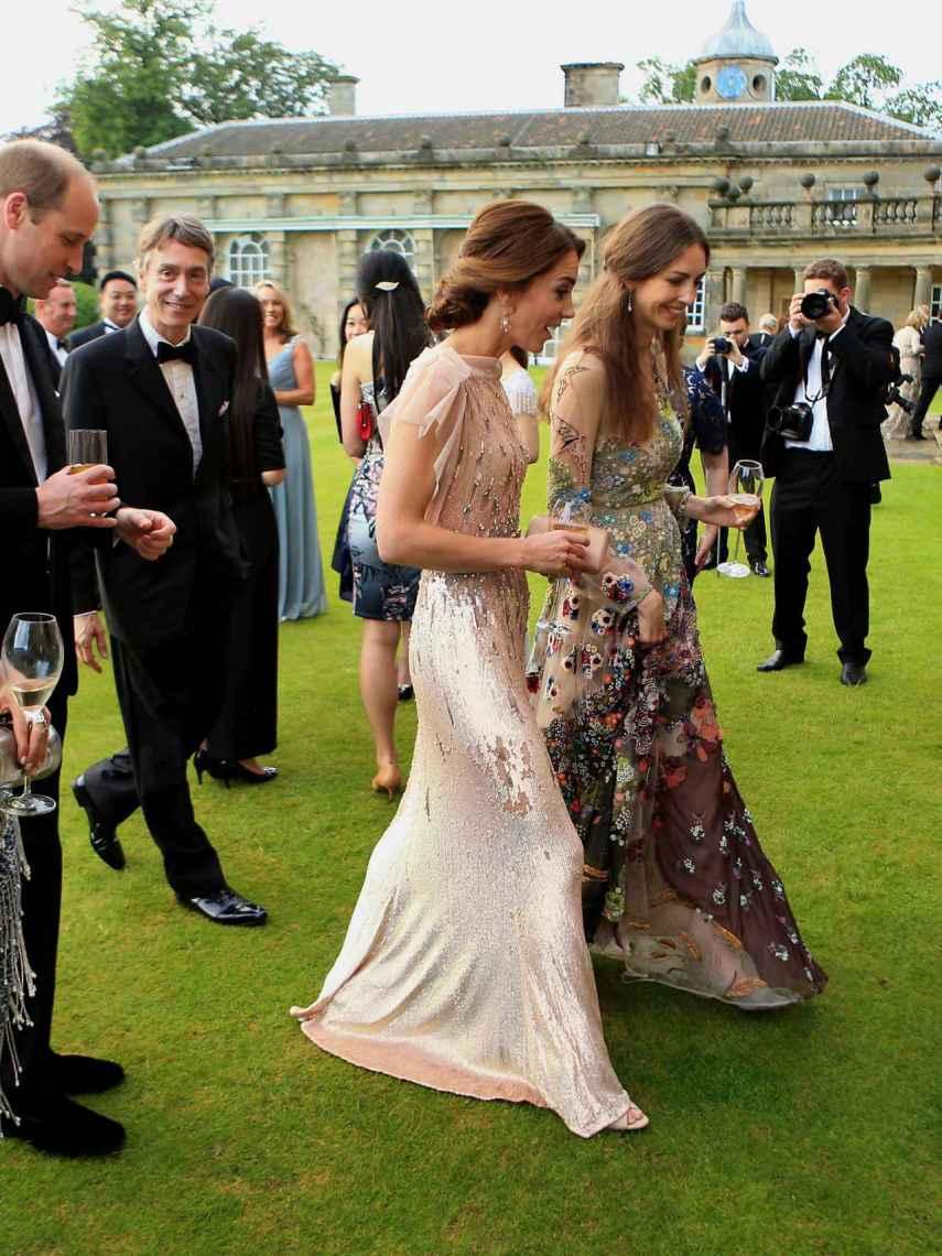 Kate Middleton junto a su entonces mejor amiga, Rose Hanbury, y su marido presente.
