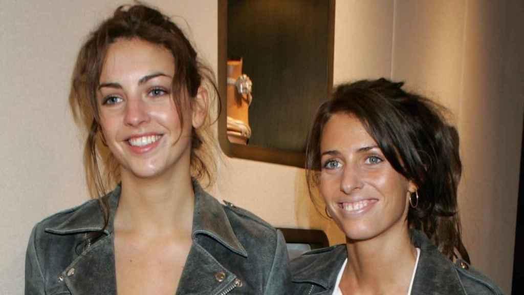 Rose Hanbury (izquierda), junto a su hermana, Marina.
