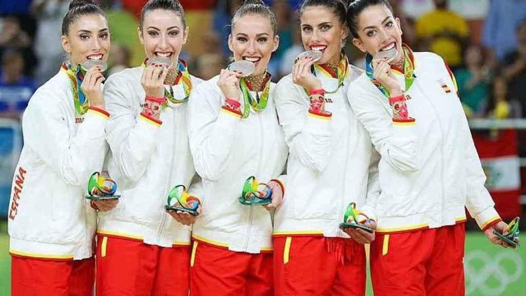 Elena López, tras ganar la medalla de plata en gimnasia rítmica en Río