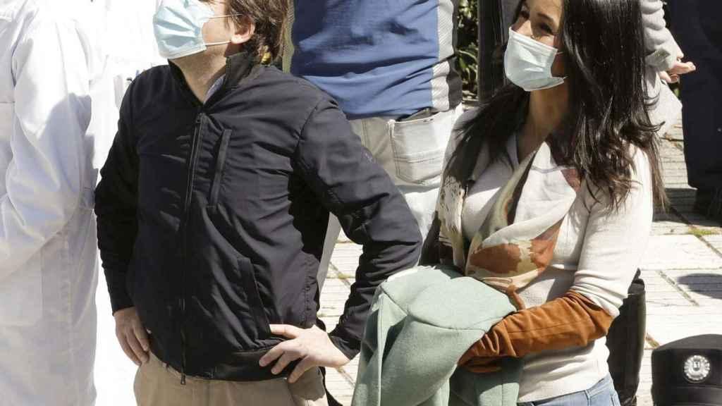José Luis Martínez Almeida y Begoña Villacís visitando el hospital Gregorio Marañón.