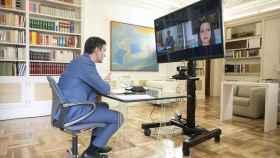 Pedro Sánchez, reunido telemáticamente con Inés Arrimadas.