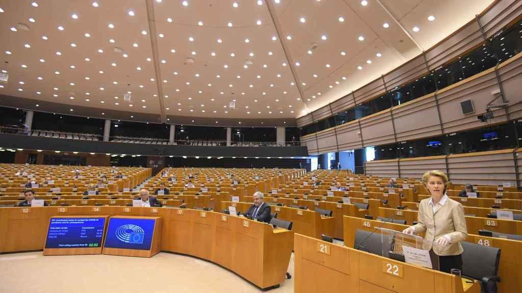 La presidenta Ursula von der Leyen, durante su intervención este jueves ante la Eurocámara