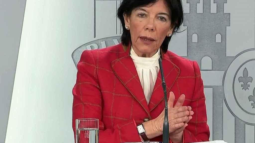Isabel Celaá tras la reunión mantenida con los responsables educativos de las comunidades autónomas