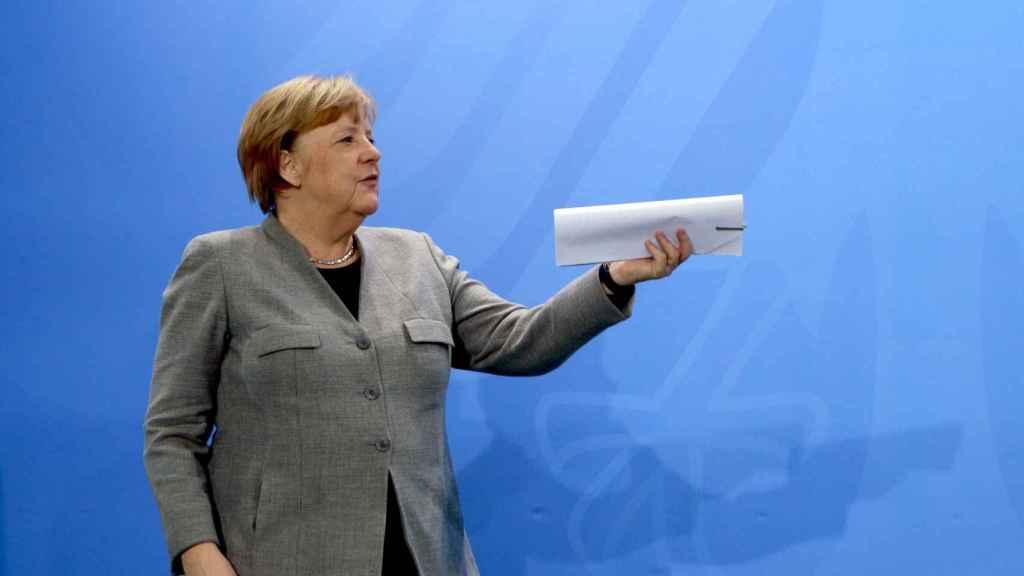 Merkel, tras una comparecencia de prensa en la cancillería