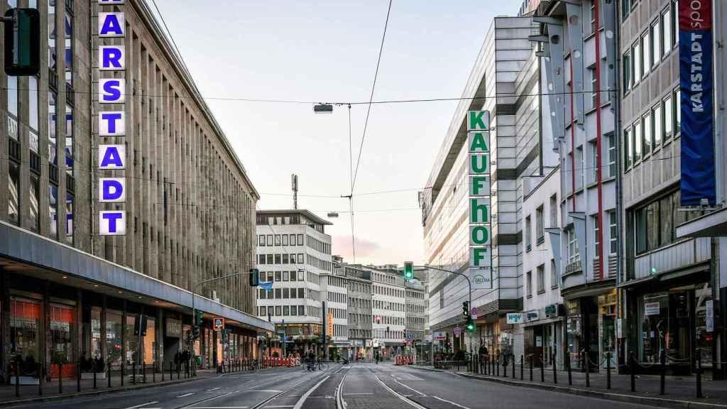 Una calle del centro de Berlín, completamente vacía