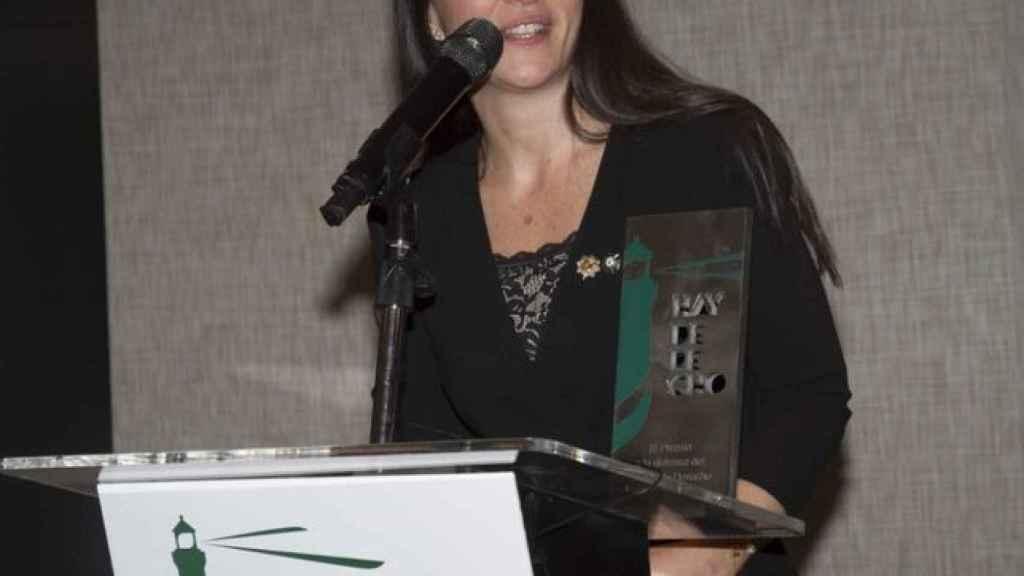 Macarena Olona, como abogada, recibiendo el premio Hay Derecho.