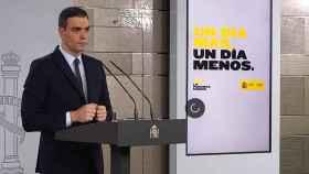 Pedro Sánchez atiende a las preguntas de la prensa desde Moncloa.