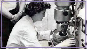 June Almeida, durante su actividad.