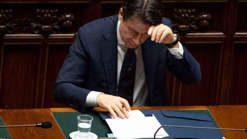 Conte descarta una reapertura por regiones y pide mascarillas hasta que haya vacuna