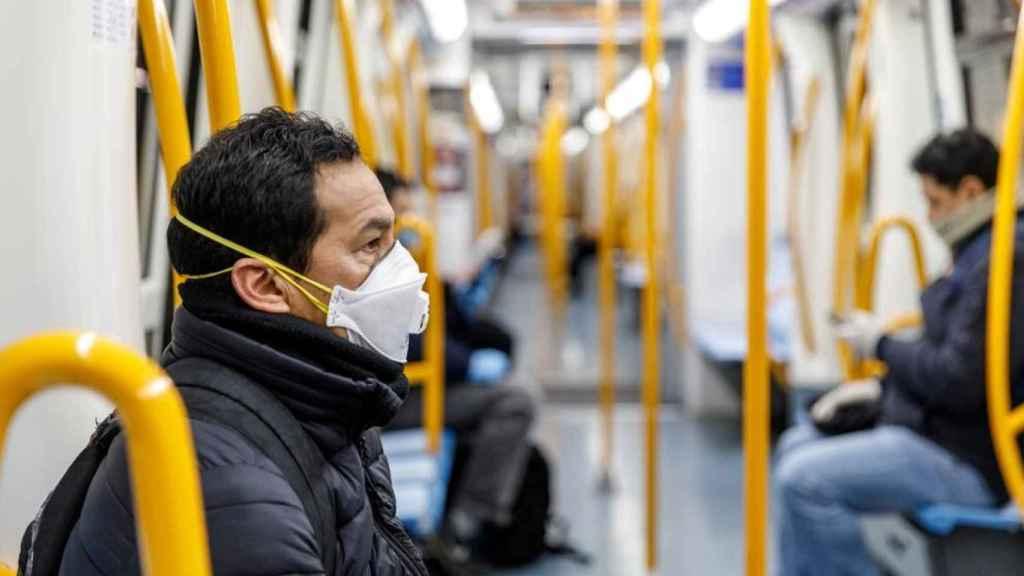 Imagen de un usuario de Metro de Madrid.