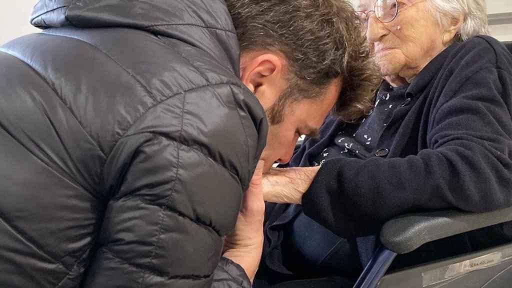 Fonsi ha perdido a su abuela y a su padre en 10 días.