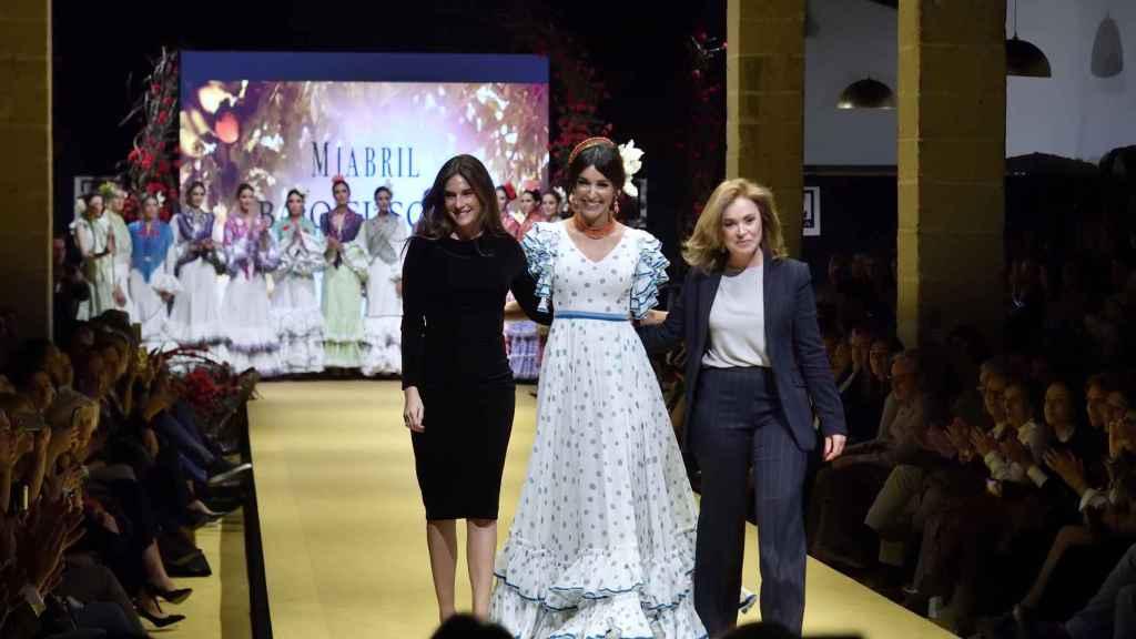 Lourdes Montes y Rocío Terry, junto a la modelo Noelia López, presentaron su línea de Miabril hace dos meses.